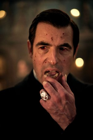 claes_bang_as_dracula_netflixbbc